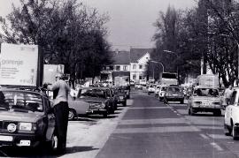 1989 Öffnung des eisernen Vorhang. Verkehr in Zurndorf 1PRO