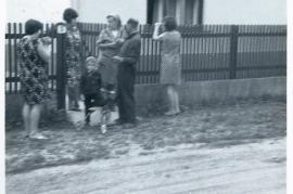 1970er Gassentratsch in Zurndorf, Windgasse I. Hoffmann, F. Fischer, Fr. Hoffmann, J. Fischer, H. Mayer, 50PI