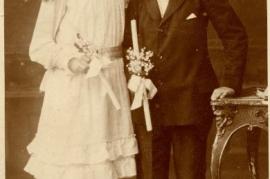1919 Kommunion Anny Popp (verh. m. W. Edinger) and Sandor Popp 1919 front 13HW