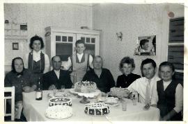 1959 Konfirmation Th. E. Strobl, S. Pamer, J. Strobl, A. Dürr, E. Dürr, hinten E. Strobl, E. Dürr 49K