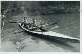 1950er Bootsfahrt in der Leitha J. Ranitsch, P. Meixner (Bruder v. A. Meixner) 24RW