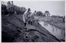 1945er unbekannt Bauarbeiten Leitha Kanal bei D.- Jahrndorf 36AH