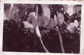 1949 Glockenweihe die Englein auf dem Glockenwagen 30Gö