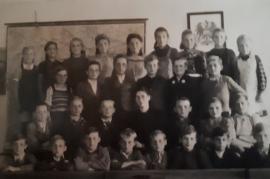 1942 27Sch Schulklasse Jahrgang 1937