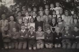 1945 28Sch Schulklasse Jahrgang 1937-38