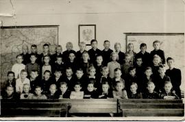 1950 1. Klasse mit Fuhrmann Lehrerin Jahrgang 1944 69SG
