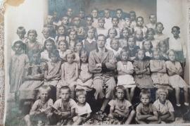 1933 Schulbild 2. Klasse Lehrer Thomaschitz