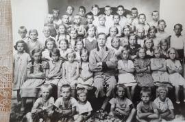 1937 Schulbild Jahrgang 1927-28 Lehrer Tuschl