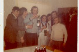 1972 Fasching Sonntag im Gasthaus Thell J. Sochr, A. Meidlinger, W. Dürr, M. Thell, K. Meidlinger, E. Dürr, E. Metzl nach dem Kindermaskenball 64DW
