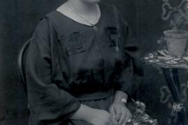 1920er Fr. Meixner (Mutter v. Traude) 262PM