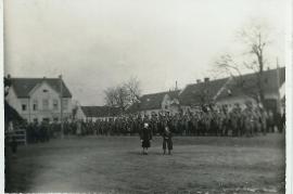 1939 R.A.D im Marsch durch Zurndorf 3ML