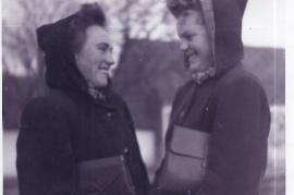 1950er re. Theresia Fischer (Ettl), li. Evi Dürr (Beck) 20UI