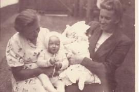 1948 Paula Prath, Marianne Prath, Marianne Drescher geb. 1923 Gerhard Drescher geb. 1947  97WS