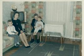 1960er Frida, Georg u. Günther Schneemayer, Mitzi Gatto (geb. Schusterreiter)j 68SG