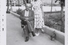 1956 Andreas Horwath zu Besuch in Zurndorf und Frieda Schneemayer, (Schusterreiter) 83HW