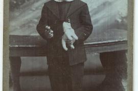 1880er unbekanntes Kind, vielleicht Josef Horwath, Andreas vom Album 110HW