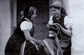 1930er Karoline Eichberger, Emma Fanzler 4SM